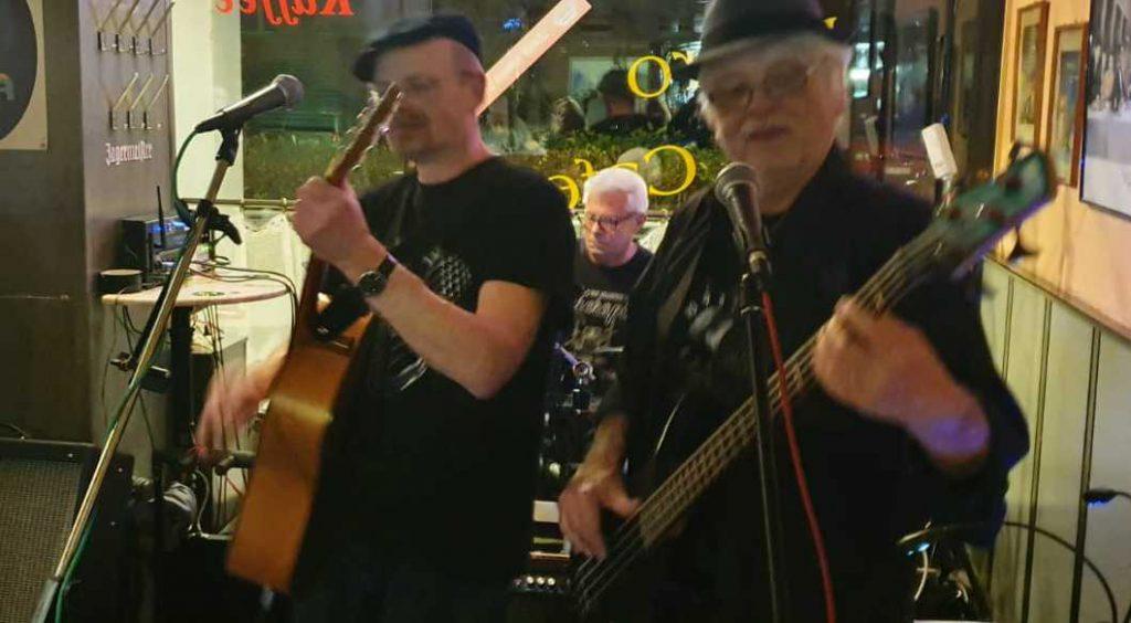 Berliner Oldieband mit drummer Robby
